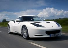 Evora Fr3Qtr Action White